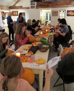 Pumpkin carving workshop at Dalalåven Atelier with Inga Dalsegg